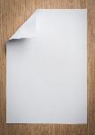 folha-de-papel-com-um-canto-dobrado_1232-576