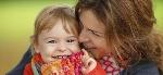madre-abraza-nina-dos-anos-p