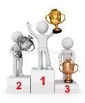 concedido-con-las-tazas-que-ganan-el-trío-en-el-podium-27217030
