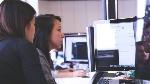 multiple-people-using-same-computer-e1461846744173