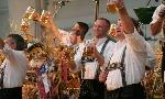 Oktoberfest-revelers-resizedimage