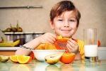 boy-healthy-snacks